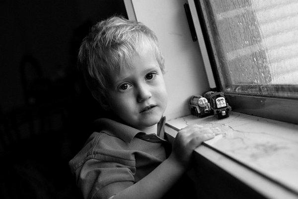 Дитина залишається одна вдома: що потрібно враховувати