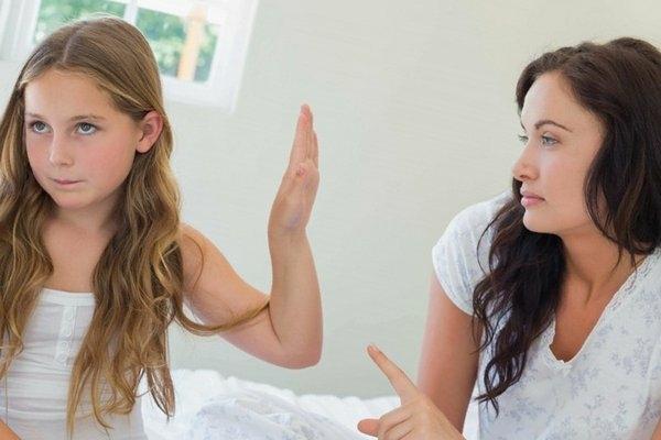 Що робити, якщо дитина не слухає дорослих?